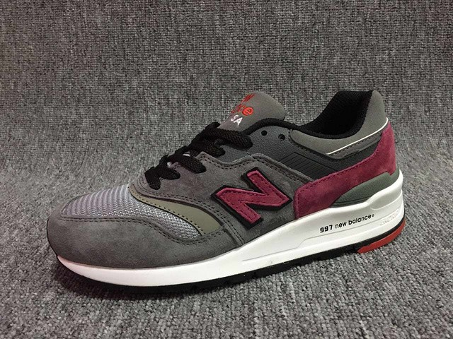 new balance gris rouge